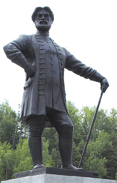 Памятник Ивану Твердышеву в Белорецке